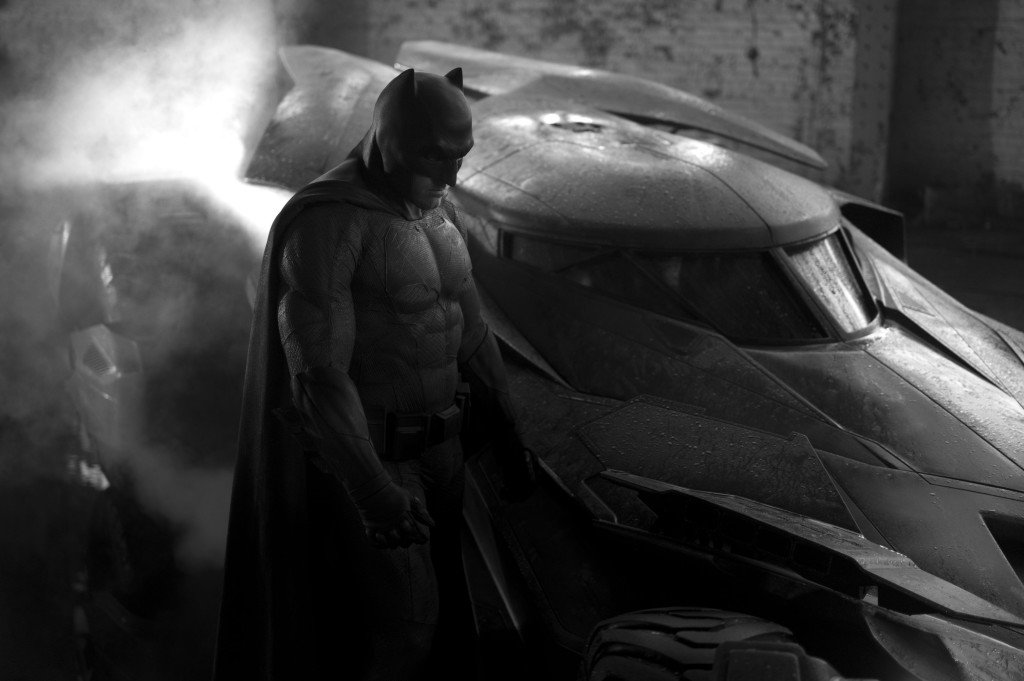 Batman and Batmobile - Batman vs Superman - first look