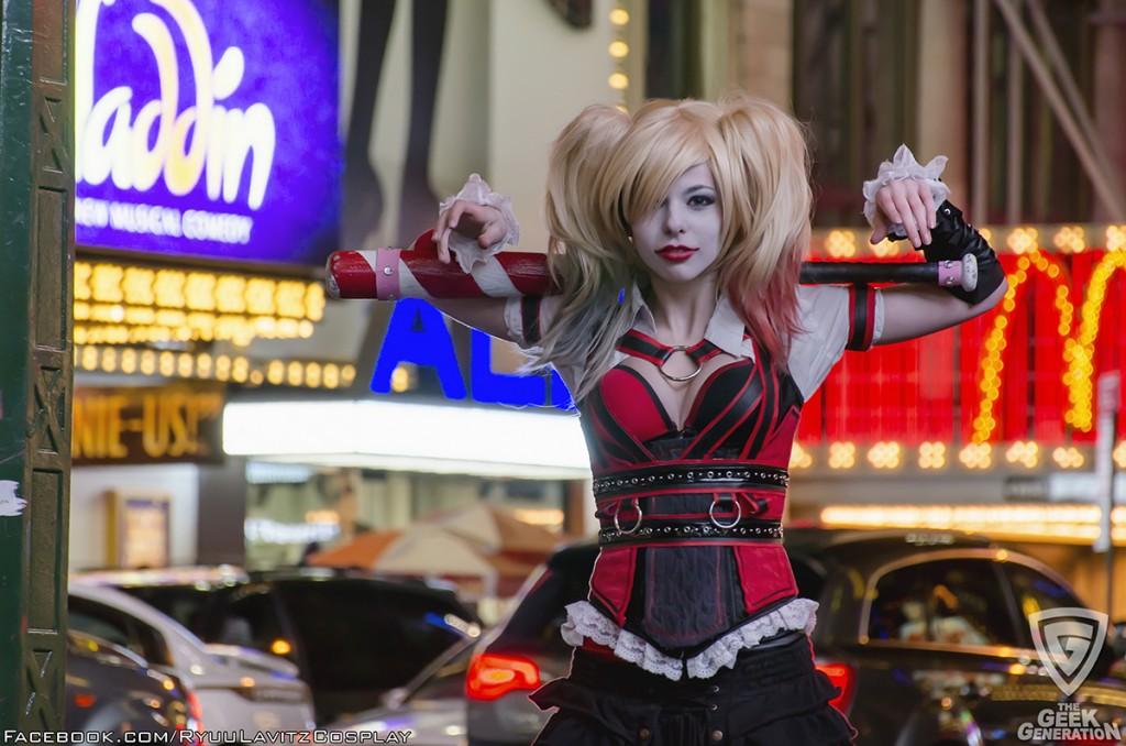 Ryuu Lavitz - Harley Quinn - Times Square - shoulder bat