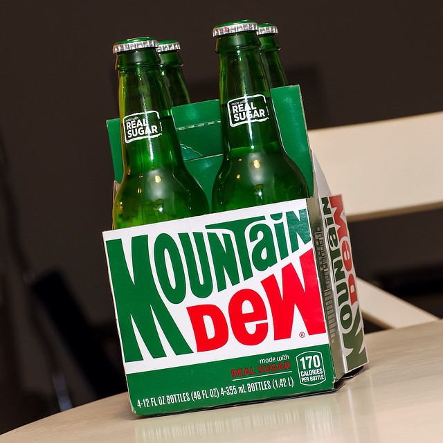I very rarely drink soda anymore, but I had to grab these bottled beauties. Happy Thanksgiving!! #MountainDew