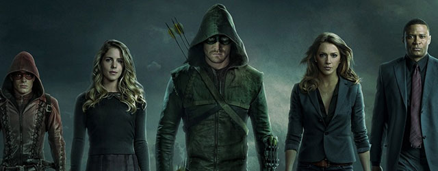 The CW has revealed the first official look at Katie Cassidy in her Black Canary costume for Arrow.